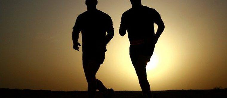 בין אימון לתפילה: איך נראה לוח הזמנים של הספורטאי הדתי?